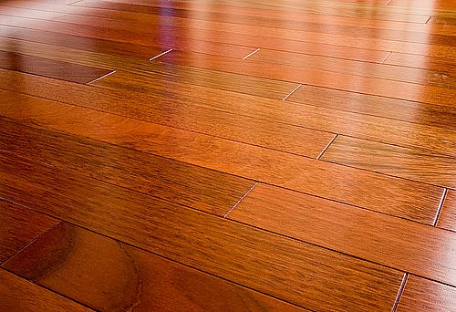 Milwaukee hardwood flooring company says don t wax your for Hardwood flooring company