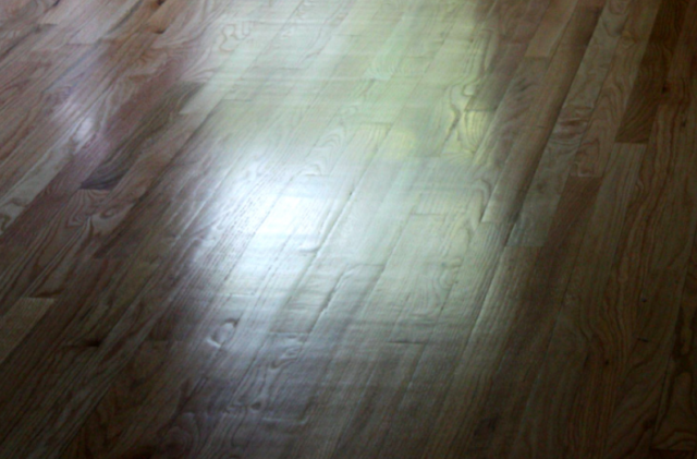 hardwood-floor-chatter