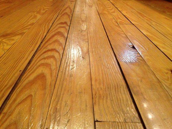 hard-wood-floor-gaps