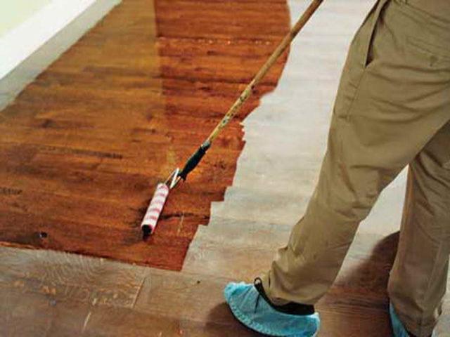 finiushing a hard wood floor1